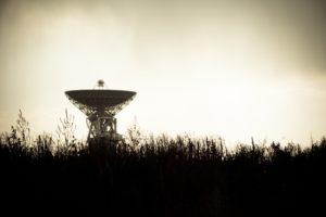 Radar lotów na łące